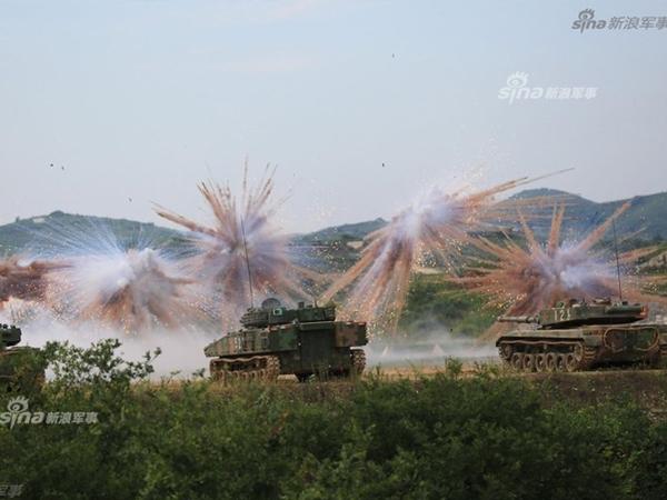 Mục kích dàn khí tài khủng Trung Quốc hiệp đồng tác chiến