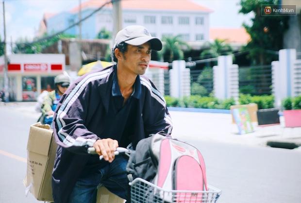 Chuyện cảm động về anh shipper khuyết tật giọng nói, đạp xe hàng chục km mỗi ngày để giao hàng khắp Sài Gòn - Ảnh 4.