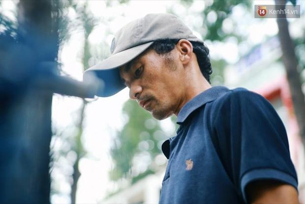 Chuyện cảm động về anh shipper khuyết tật giọng nói, đạp xe hàng chục km mỗi ngày để giao hàng khắp Sài Gòn - Ảnh 5.