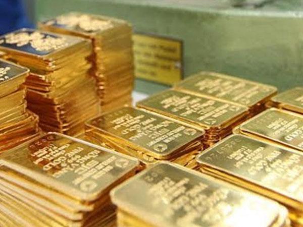 Giá vàng SJC giảm giá bất chấp vàng thế giới lên đỉnh gần 3 tháng