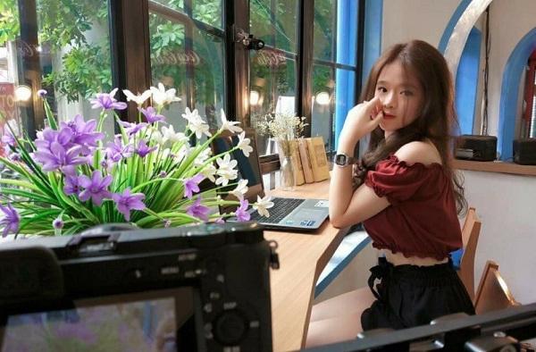 Linh Ka, từ 'hotface' Hà Thành đến hot girl ồn ào của làng game - ảnh 1