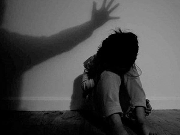 Gã đàn ông bán vé số dạo hại đời bé gái tại khu nhà trọ
