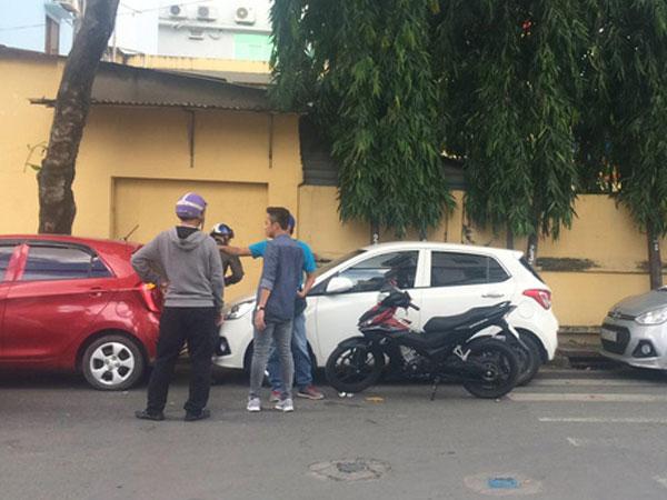Nam thanh niên đập phá xe ô tô của tài xế GrabCar: Tôi làm theo lệnh của bà chủ quán nhậu!