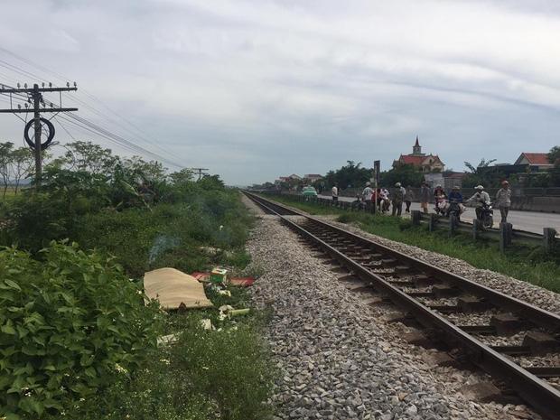 Cố vượt đường sắt, một người đàn ông bị tàu hỏa đâm tử vong - Ảnh 1.