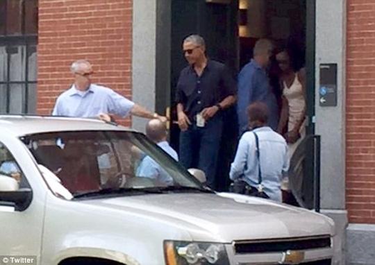 Con gái ông Obama vào ký túc xá ĐH Harvard - Ảnh 1.