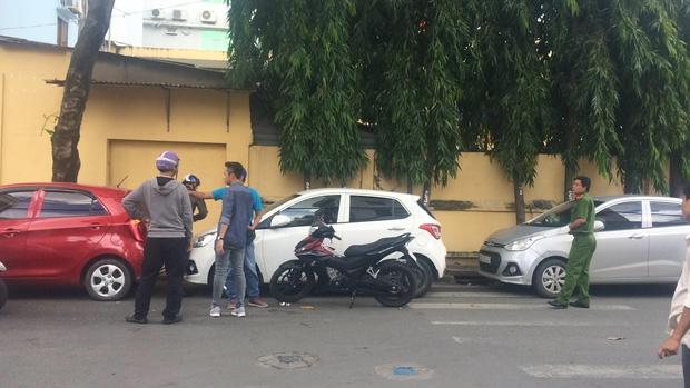Nam thanh niên đập phá xe ô tô của tài xế GrabCar: Tôi làm theo lệnh của bà chủ quán nhậu! - Ảnh 4.