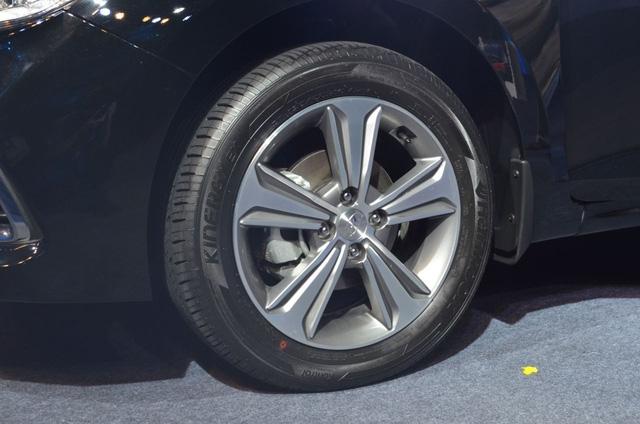 Phát thèm với xe chưa đến 300 triệu Đồng Hyundai Verna 2017 vừa ra mắt Ấn Độ - Ảnh 5.