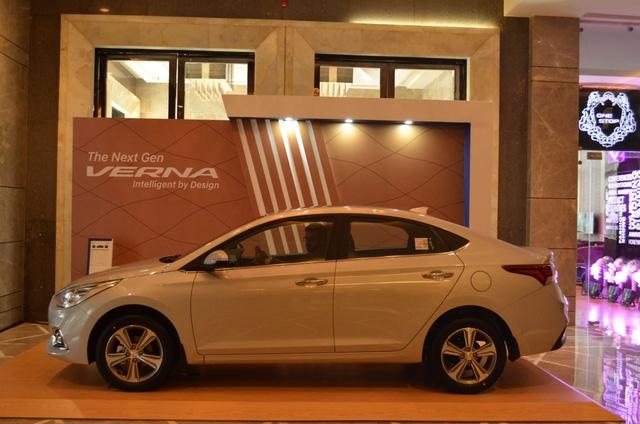 Phát thèm với xe chưa đến 300 triệu Đồng Hyundai Verna 2017 vừa ra mắt Ấn Độ - Ảnh 14.