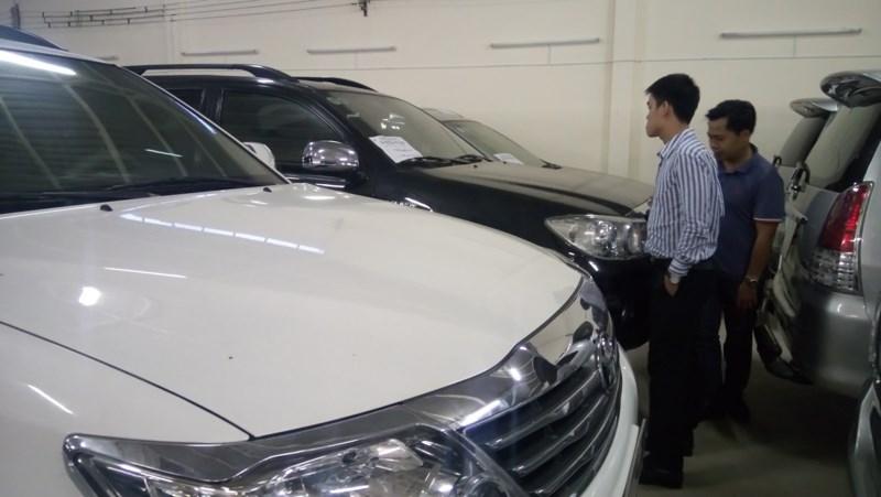 Sốc: Thuế nhập ô tô cũ tăng thêm 5.000 USD/chiếc - 1