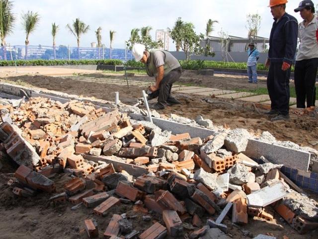 Chủ đầu tư Thảo Điền Sapphire đã tự tháo dỡ hạng mục sai phạm xây dựng từ vài hôm trước