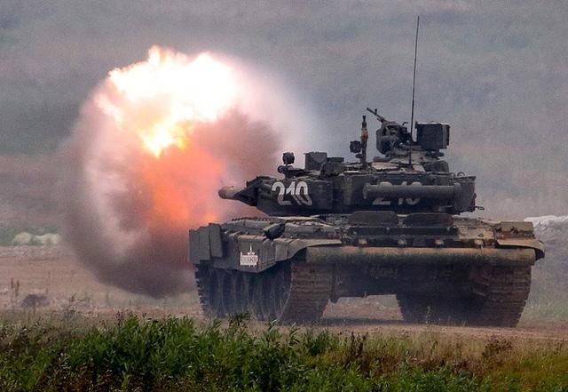 Xe tăng chiến đấu T-80