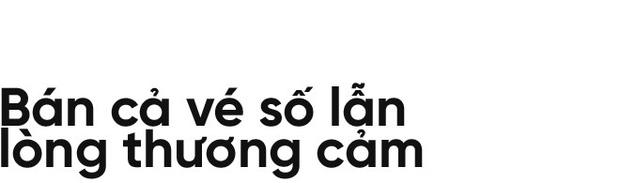 Người già bán vé số tại Sài Gòn: Những phận người bị bỏ quên - Ảnh 2.