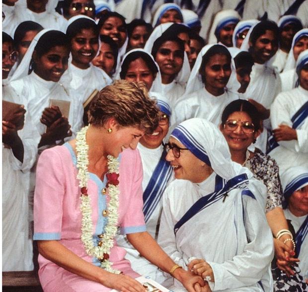 Thư ký riêng của cố Công nương Diana tiết lộ nhiều bí mật giấu kín về đời tư của bà - Ảnh 1.