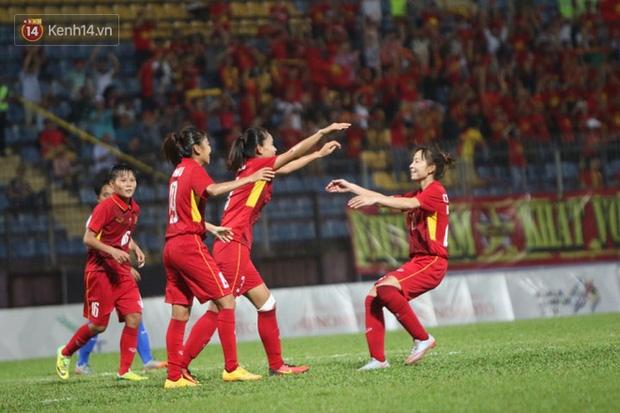Tuyển nữ Việt Nam vô địch SEA Games 29 - Ảnh 2.