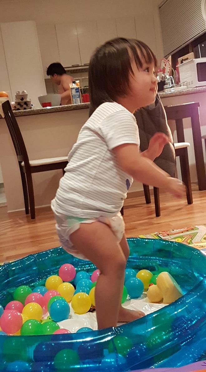 Bà mẹ Việt ở Úc và chuyện không tập cho trẻ đi vệ sinh sớm gây bão mạng - Ảnh 3.