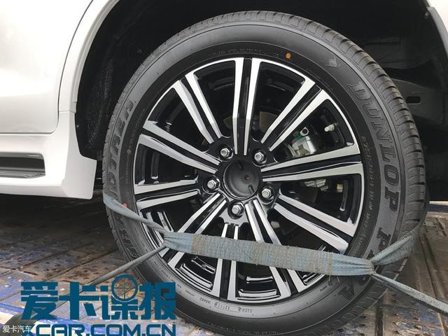 Bắt gặp SUV hạng sang Lexus LX570 Superior mới trên đường phố - Ảnh 3.