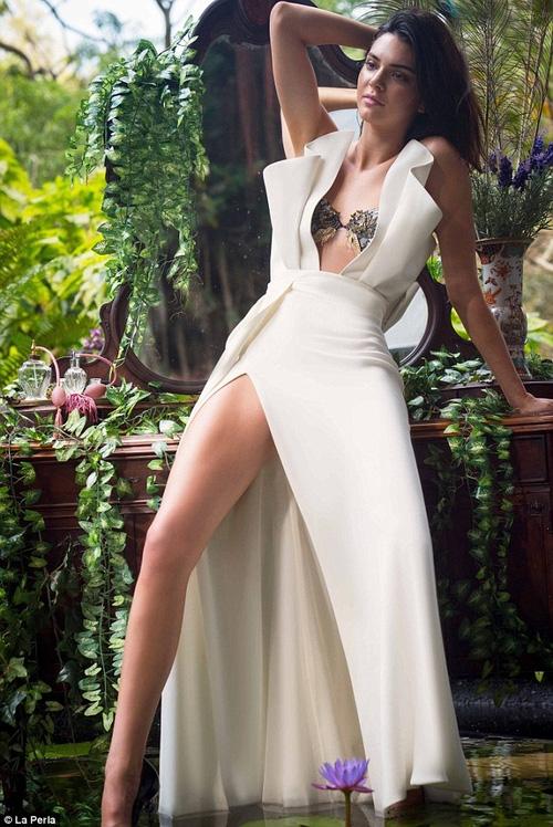 Đẳng cấp nhan sắc của Kendall Jenner: Vừa sexy nóng bỏng, lại vừa thanh cao quý phái - Ảnh 2.