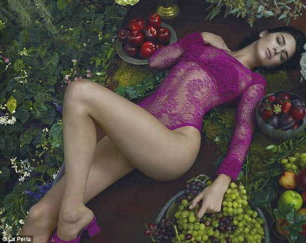 Đẳng cấp nhan sắc của Kendall Jenner: Vừa sexy nóng bỏng, lại vừa thanh cao quý phái - Ảnh 6.