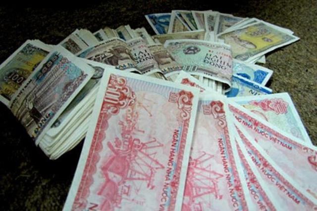 Khi khách thắc mắc thì nhân viên thu ngân luôn viện lý do rằng không có tiền lẻ để trả khách
