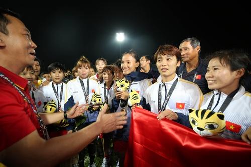 tuyen-nu-viet-nam-nhan-hon-4-ty-tien-thuong-cho-hc-vang-sea-games-1