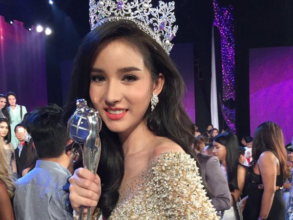 Tân Hoa hậu chuyển giới Thái Lan được khen