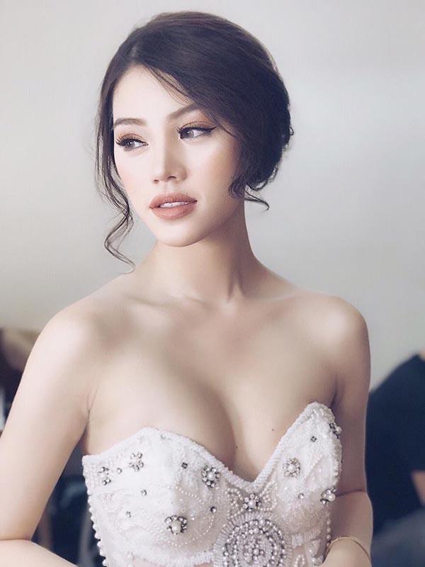 Hình ảnh nóng bỏng, sang chảnh của hoa hậu Việt trong Hội con nhà giàu - Ảnh 13.