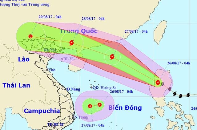 Vị trí, hướng di chuyển của bão số 7 (hình trên) - ảnh: NCHMF.