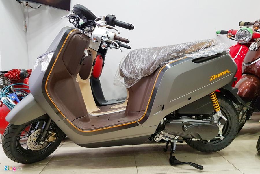 Xe tay ga 50 phan khoi Honda Dunk 2017 dau tien tai Ha Noi hinh anh 2