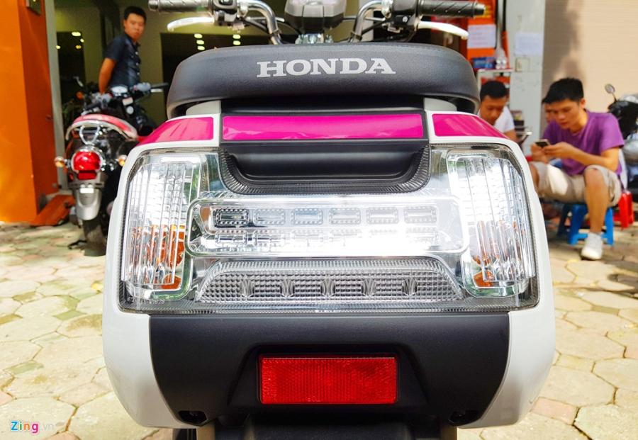 Xe tay ga 50 phan khoi Honda Dunk 2017 dau tien tai Ha Noi hinh anh 5