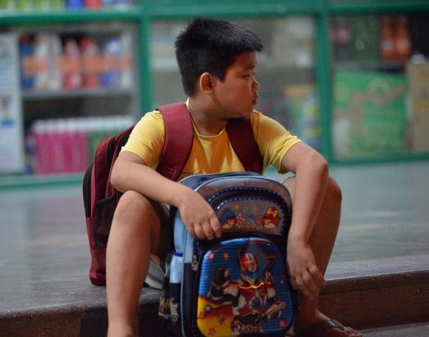 Hà Nội: Người già, trẻ em chung cư Cầu Giấy hoảng loạn vì chập điện gây cháy giữa đêm khuya - Ảnh 5.