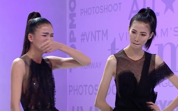 Khoảnh khắc trớ trêu: Chà Mi khóc lóc đòi về, Cao Thiên Trang lại không nhịn được cười! - Ảnh 2.