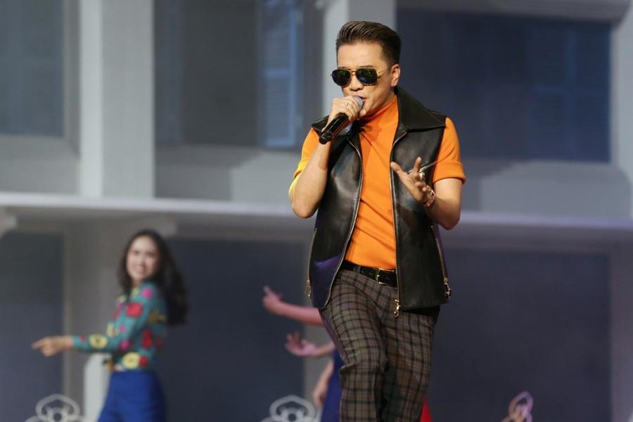 Live show cua Mr. Dam: Bolero, Jazz va nhac dam tang hinh anh 1
