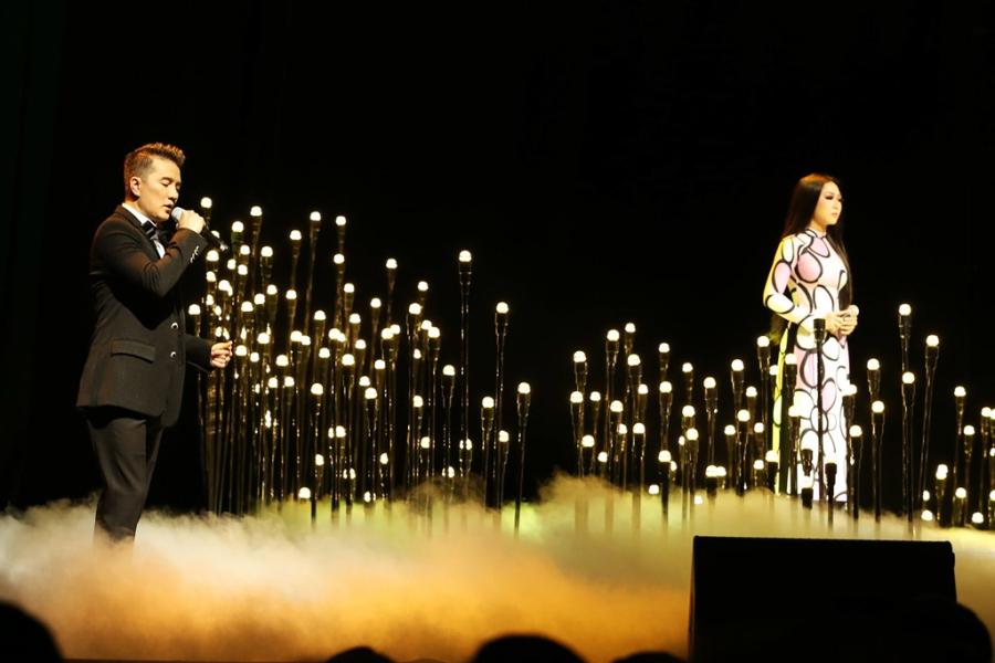 Live show cua Mr. Dam: Bolero, Jazz va nhac dam tang hinh anh 2