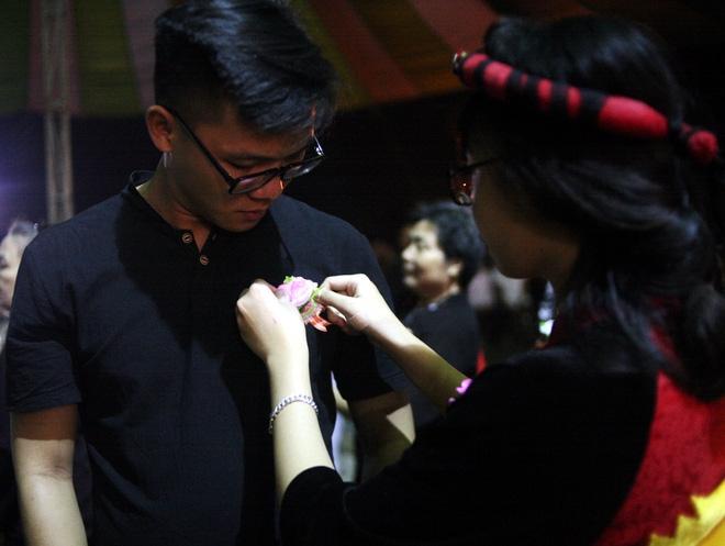 Nhiều người mắt nghẹn ngào trong lễ bông hồng cài áo Vu lan báo hiếu - Ảnh 5.