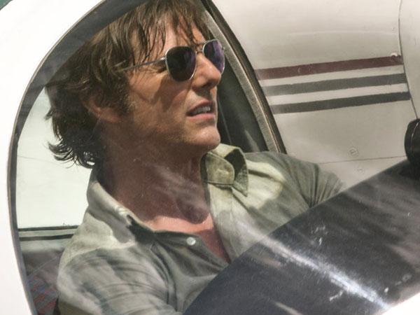 Tom Cruise tái xuất đầy ngoạn mục trong