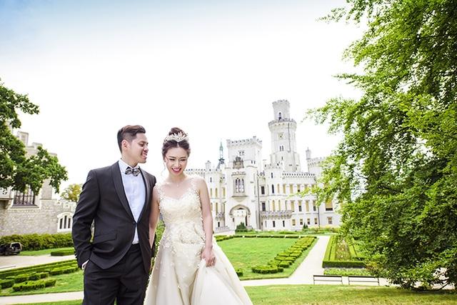 Để đi đến quyết định đám cưới, Ngọc Anh đã từ bỏ sự nghiệp ở Mỹ để về Séc sống cùng Minh Tùng.