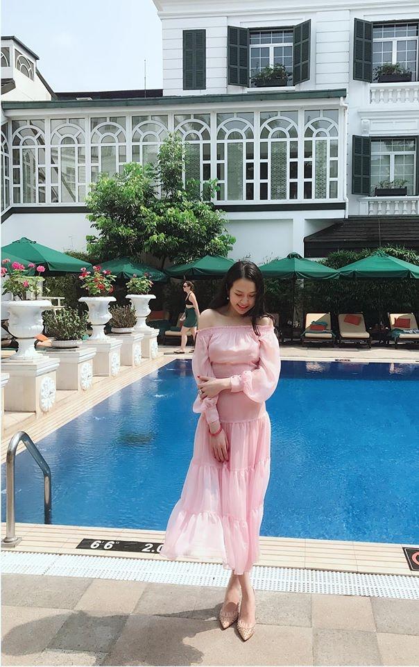 Hương Baby vợ ca sĩ Tuấn Hưng, từ cô PG đen nhẻm tới nữ doanh nhân gợi cảm, sành điệu - Ảnh 19.