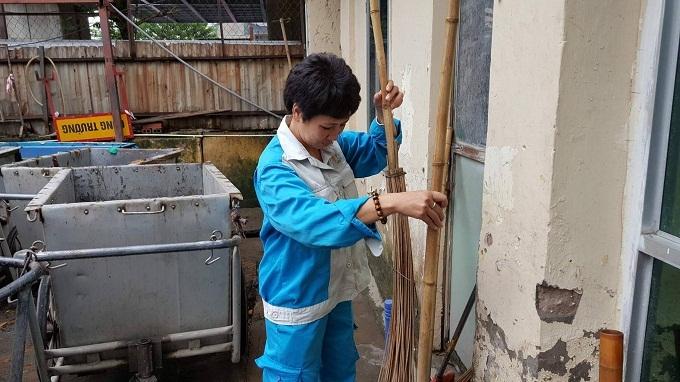 Góc khuất nghề, Công nhân vệ sinh môi trường