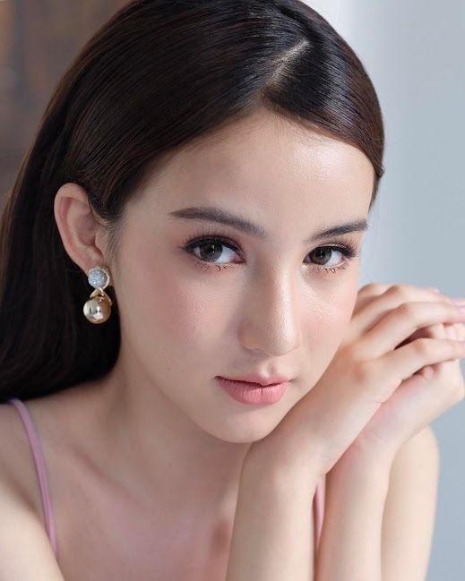 Ngắm loạt ảnh đời thường xinh như thiên thần của hoa hậu chuyển giới đẹp nhất Thái Lan