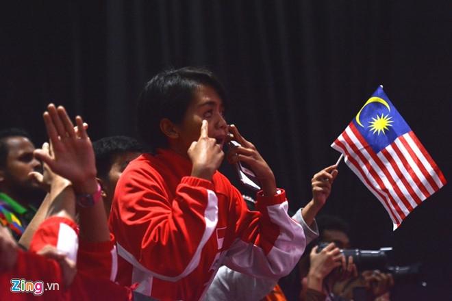 Trong tai xu ep trang tron giup VDV Malaysia gianh HCV taekwondo hinh anh 1