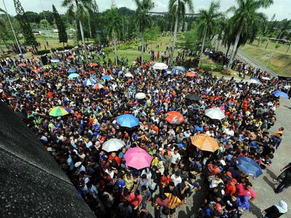 Hỗn loạn cảnh mua vé xem chung kết Malaysia gặp Thái Lan