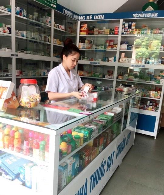 Một tiệm thuốc, 2 vị khách nam: người mua thuốc bổ cho vợ, người mua tránh thai 10 ngàn còn chê đắt không mua - Ảnh 2.