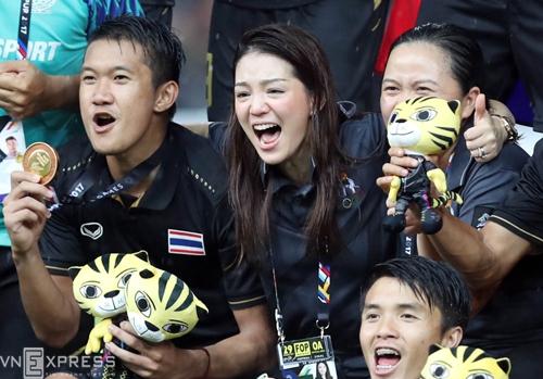 thai-lan-coi-nhe-tran-thang-viet-nam-tren-hanh-trinh-gianh-hc-vang-1