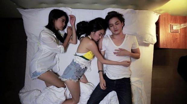 Tình yêu không có lỗi, lỗi là ở bạn thân: Nhân lúc bạn gái đi vệ sinh, chàng trai trẻ hôn ngấu nghiến cô bạn thân - Ảnh 4.