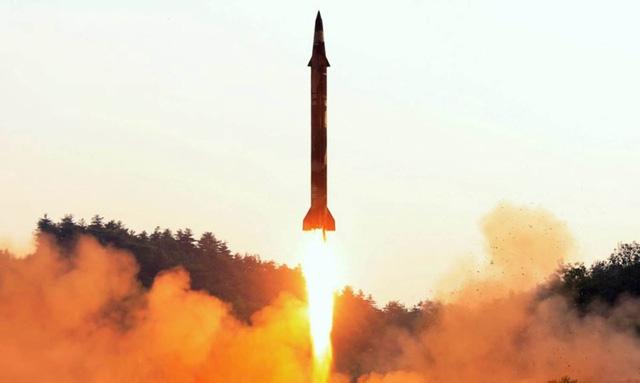 Một vụ thử tên lửa của Triều Tiên (Ảnh: KCNA/Reuters)