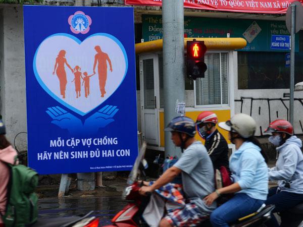 Người Việt lại sinh nhiều vì chi phí tránh thai tăng?