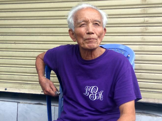 Cụ ông 80 tuổi giành xe hàng với đoàn liên ngành quận 1: Tôi bực nhưng rất ủng hộ ông Hải - Ảnh 2.