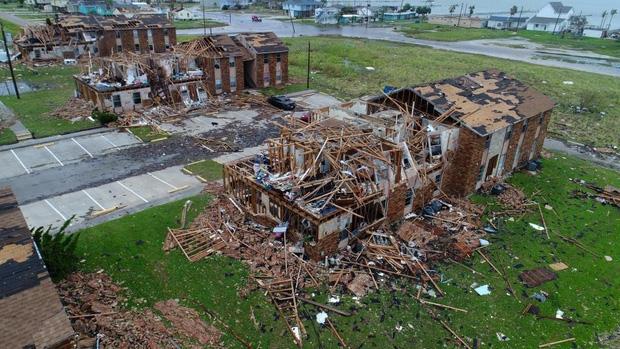 Giữa cuồng quay siêu bão Harvey, nhiều người dân Mỹ vẫn chung tay làm một việc khiến thế giới nể phục - Ảnh 5.