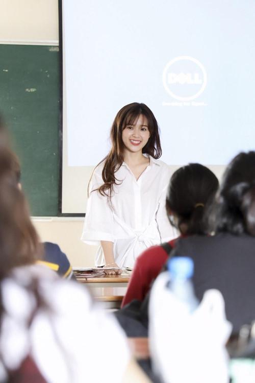 Midu khoe chính thức trở thành giảng viên đại học - ảnh 2