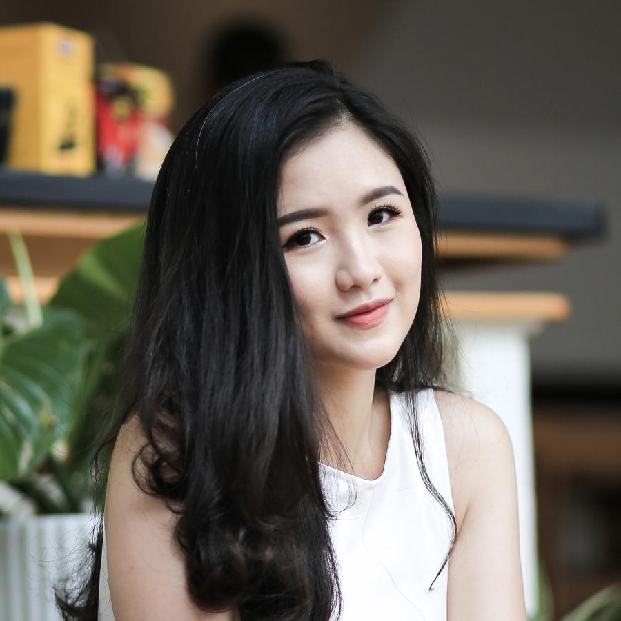 Hoàng Hậu Phương Đông: Từ cô bạn có cái tên lạ đến nữ sinh tài năng được bắt tay cựu Tổng thống Mỹ Obama - Ảnh 2.